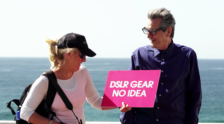 "Werbeclip Screenshot: ""DSLR gear nod idea"" - (c) Sony Australien via YouTube"